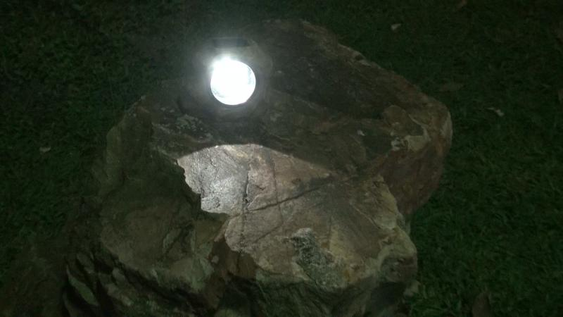Mini 8X Rock Solar Spotlight