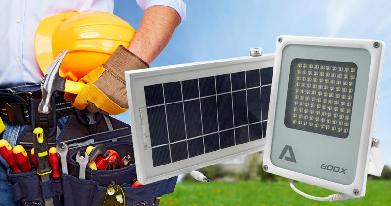 Alpha 600X Solar Flood Light